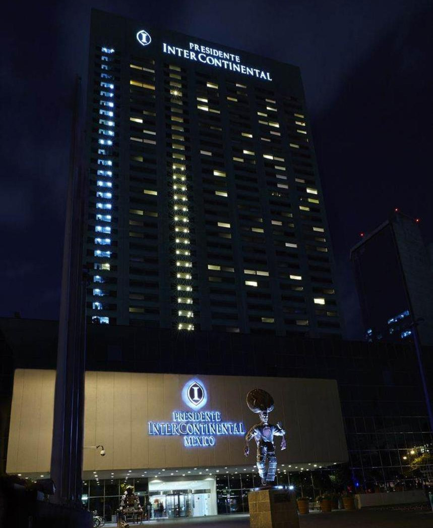 Presidente Intercontinental Mexico City at night